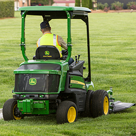 1550 Front Mower with 60-in. (152-cm) mower deck