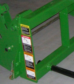 Frontier™ AB12 Series Bale Spear tubular frame