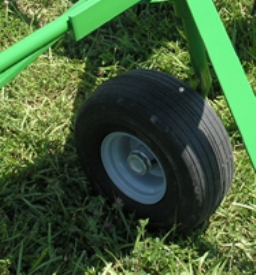 Balloon-technology tires on Frontier™ TD13 Series
