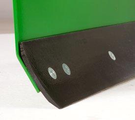 Rear blade cutting edge