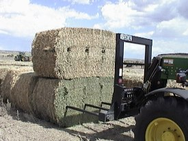 BF1102S picks up two large square bales