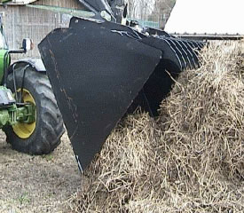 MJ4118 top fingers help pull silage with ease
