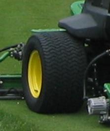Treaded tire
