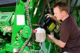 High-capacity oil tank reduces refills