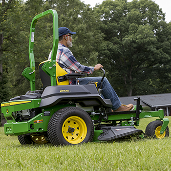 "ZTrakâ""¢ Z720E Mower shown"
