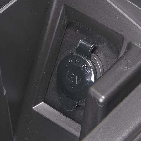 12-V charge port