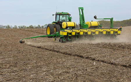 15-row 1745 Planter with liquid fertilizer and insecticide