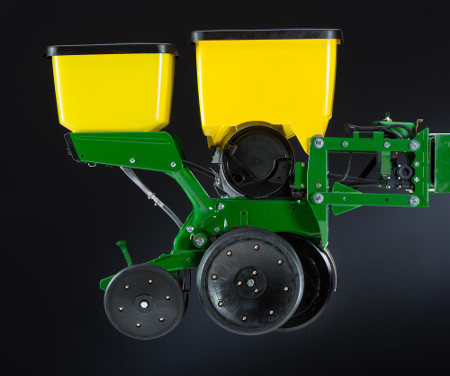 MaxEmerge 5 row-unit with 56-L (1.6-bu) hopper and granular insecticide