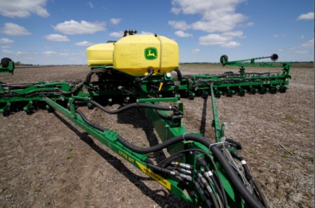 24-row 1775NT Planter equipped with ExactRate fluid transfer system