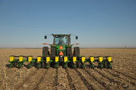 1715 12-Row Vertical-Fold Planter