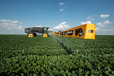 Hybrid sprayer boom