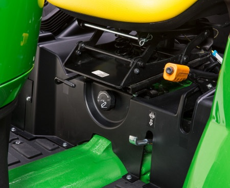 Rate-of-drop/stop valve shown on 4M Heavy-Duty Tractor