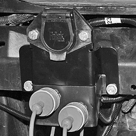 Seven-pin trailer connector for cab tractors