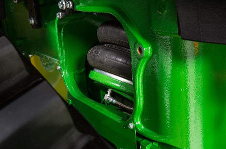 AirCushion suspension on 8RT Tractors
