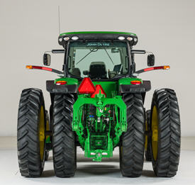 8R Series Tractor with dual hubs