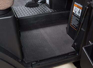 Right floor mat