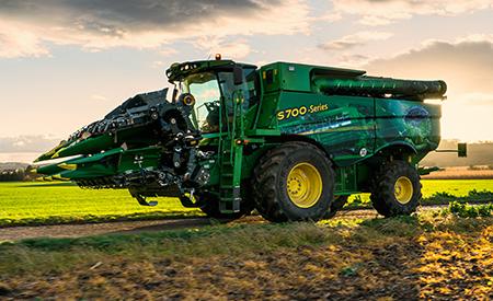 Met de S-serie neemt het rijden naar het veld minder tijd in beslag en kunt u sneller meer hectares oogsten.