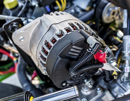 56 V dynamo op 2700 E-Cut Hybrid Triplex Mower