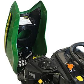 De eendelige motorkap kan eenvoudig worden geopend