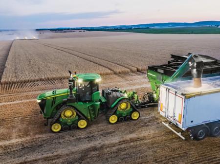Tractor uit de 9-familie met optionele 1000 tpm aftakas
