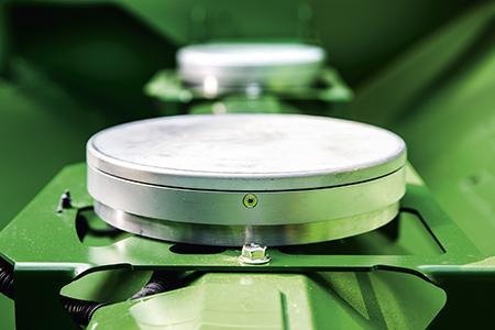 System ActiveYield™ obejmuje trzy precyzyjne czujniki wzbiorniku ziarna