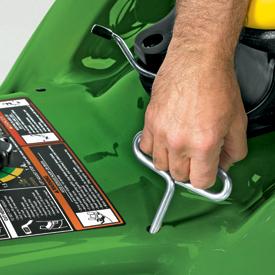 Korzystając z dołączonego klucza imbusowego, wypoziomować adapter koszący.