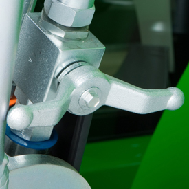 Położenie zamknięte dźwigni hydraulicznego zaworu odcinającego