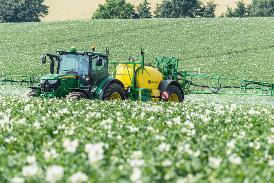 Opryskiwacze serii M700 umożliwiają perfekcyjną ochronę różnych upraw