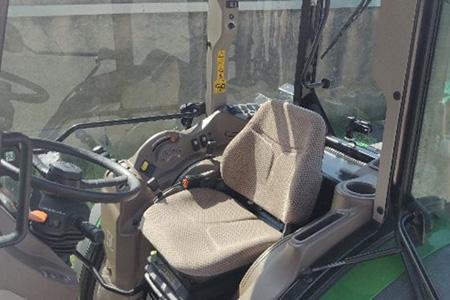 Komfortowa kabina w ciągniku 5GN