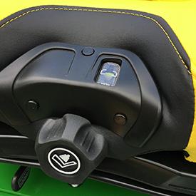 Controlos de ajuste do assento