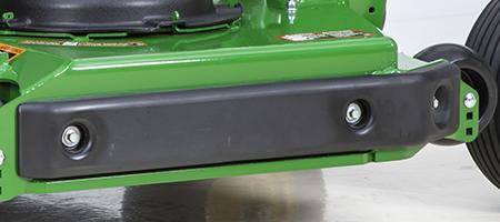 Proteção contra desgaste no lado direito de remate