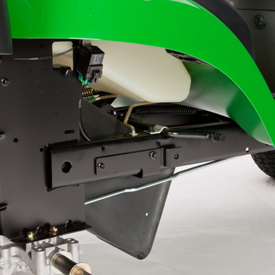 Placa de engate e chassis traseiro reforçados