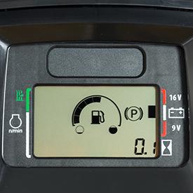 Prático indicador de combustível no painel de instrumentos