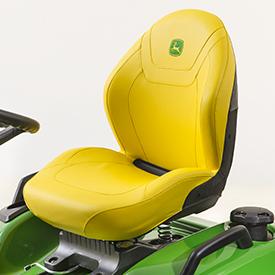 Assento cortado e cosido confortável