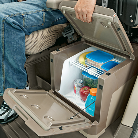 Большой холодильник с местом для хранения 37л