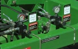 Регулировка давления в системе активного заглубления при посеве или внесении удобрений