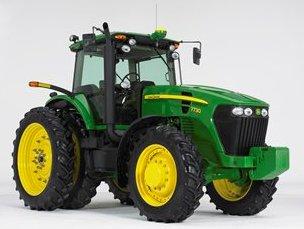 Трактор 7730, оснащенный дорожными фонарями/фонарями погрузчика