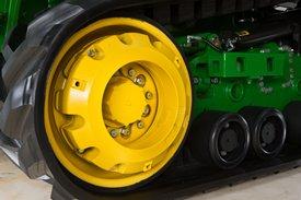 Переднее натяжное колесо гусеницы (с грузами переднего натяжного колеса)