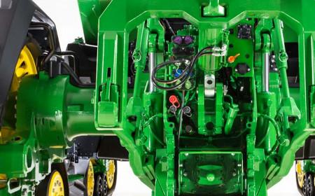 Трактор 8R с шестью клапанами SCV и системой Power Beyond (гидропоток с внешним управлением)