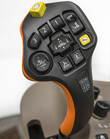 CommandPRO-styrspaken har sju programmerbara knappar