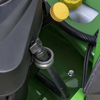 Rör för kontroll, påfyllning och dränering av motorolja