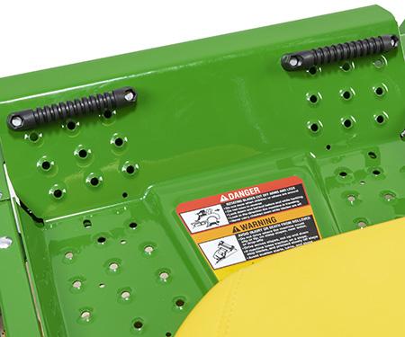 Fotstödsplatta med fotpinnar (tillval) installerade på Z515E