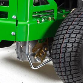 Las transmisiones hidrostáticas están situadas en una posición baja en el vehículo