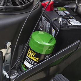 Sistema de cambio de aceite en 30 segundos Easy Change™ de John Deere