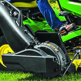 Soplador Power Flow™ (en un tractor de la serie X300)