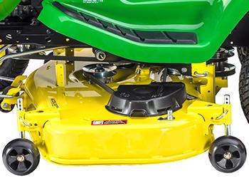 Plataforma de corte Accel Deep 48A (se muestra en un tractor Serie X300)