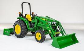 Plataforma de conducción diseñada para facilitar el acceso al tractor